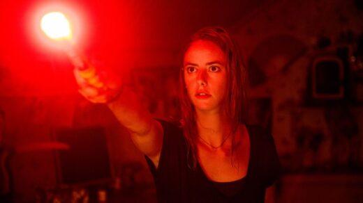 Кая-Скоделарио-Ханна-Джон-Камен-и-Нил-МакДонаф-возглавляют-состав-перезапуска-фильма-Resident-Evil